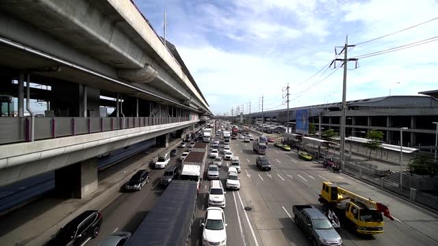 タイのスーパーハイウェイバンコクの交通渋滞。 - traffic jam点の映像素材/bロール