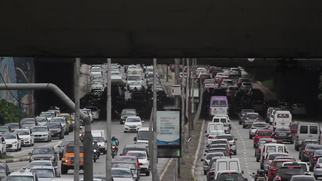 stockvideo's en b-roll-footage met traffic jam, sao paulo, brazil - zuid amerika
