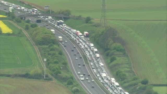 Traffic jams cost economy nine billion pounds LIB / M4 motorway AIR VIEW / AERIAL traffic jam