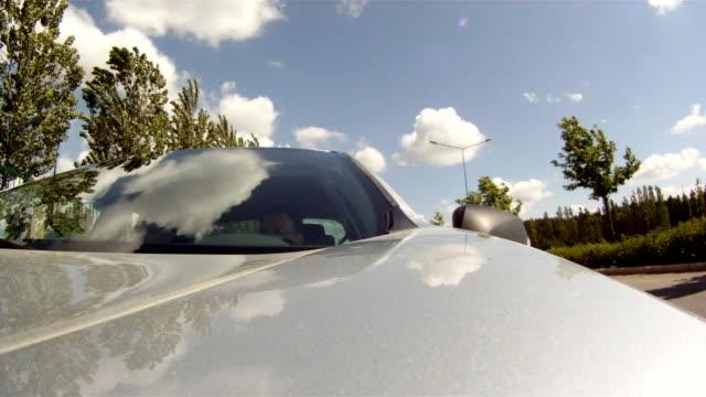 vidéos et rushes de trafic de voyage - essai de voiture