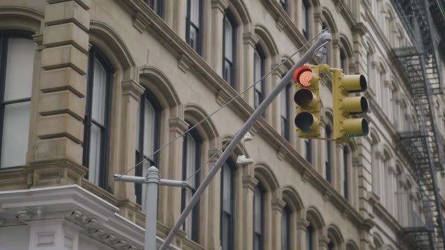 traffic light at intersection in usa - traffic light stock videos & royalty-free footage