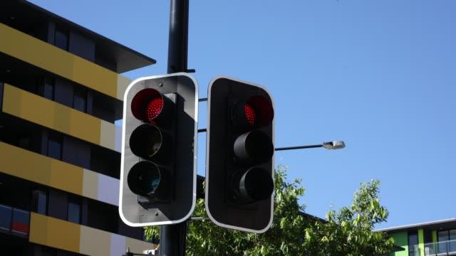 vídeos y material grabado en eventos de stock de lapso de tiempo de secuencia de semáforo - luz verde semáforo
