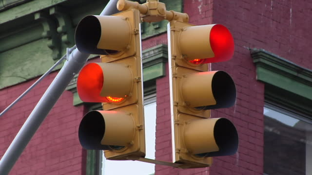 CU Traffic lights changing colour / New York, United States