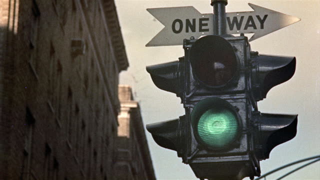 1959 CU LA Traffic lights changing, New York City, New York, USA