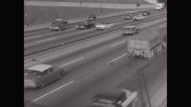MS HA Traffic moving on road / United States