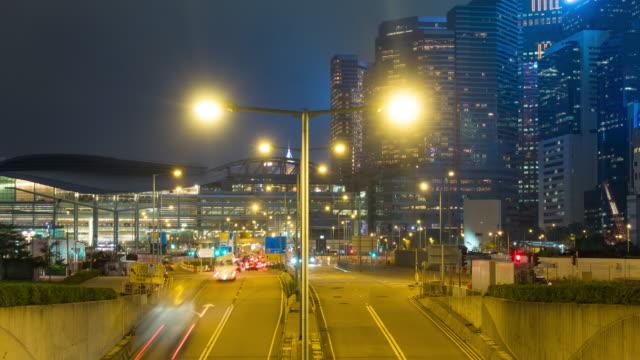 stockvideo's en b-roll-footage met 4k tl: verkeer nacht in hong kong stad. - hong kong