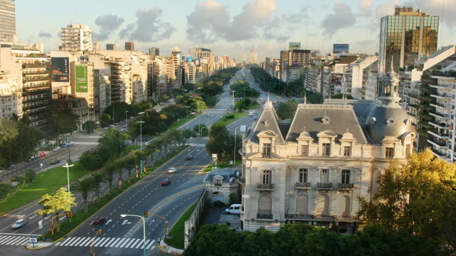 t/l, ha,ws traffic on 9 de julio avenue and french embassy, buenos aires, argentina - avenida 9 de julio stock videos & royalty-free footage