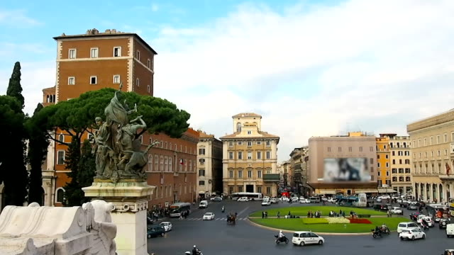 Traffic on a street in Rome