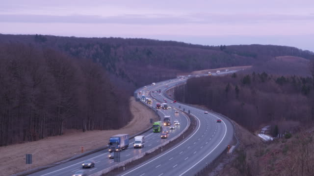 vidéos et rushes de traffic on autobahn, time lapse. - véhicule utilitaire léger