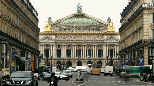 vidéos et rushes de t/l ws traffic on avenue de l'opera / paris, france - opéra style musical