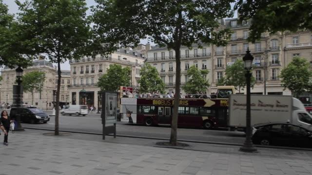 Traffic on Avenue des Champs Elysees, Paris, France, Europe