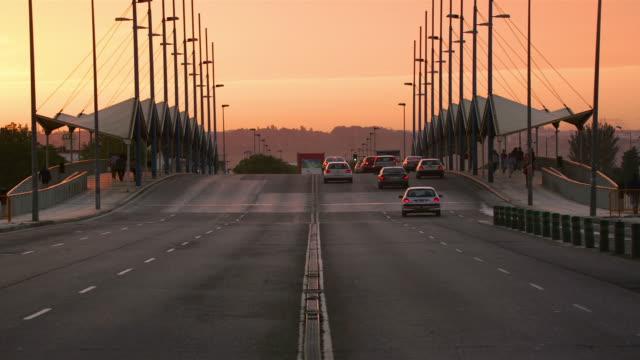 MS, T/L, Traffic on Cachorro Bridge at twilight, Seville, Andalucia, Spain