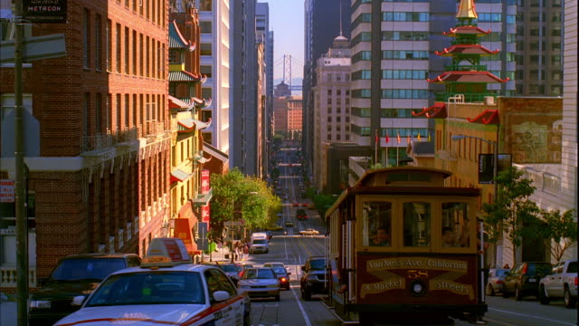 WS, Traffic on California Street, San Francisco, California, USA