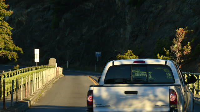 Traffic on Deception Pass bridge, time-lapse