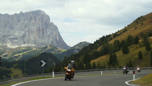 traffic on gardena pass in the dolomites mountains  - langkofel stock videos & royalty-free footage