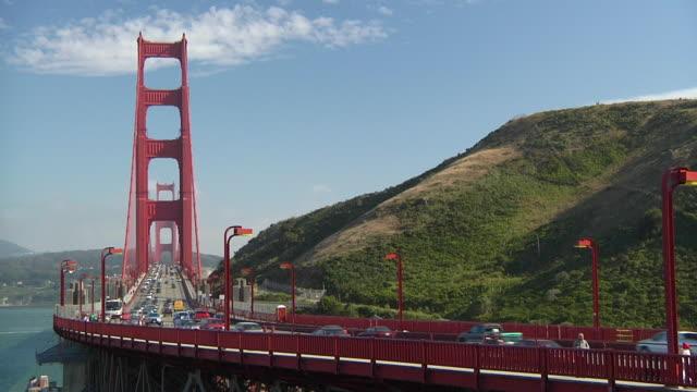 ws traffic on golden gate bridge / san francisco, california, usa - golden gate bridge stock videos & royalty-free footage