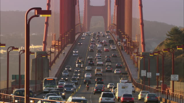 ms, traffic on golden gate bridge, san francisco, california, usa - anno 2008 video stock e b–roll