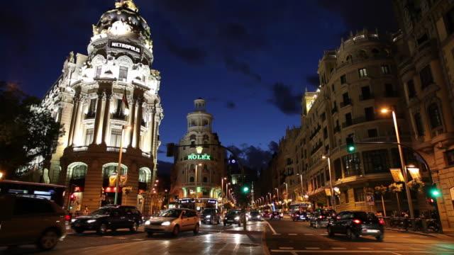WS Traffic on Gran Via and Metropolis Building / Madrid, Spain