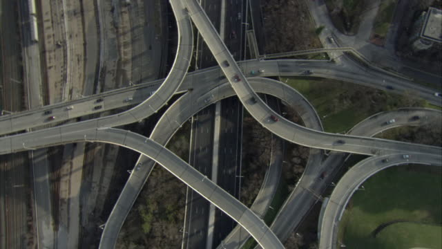 AERIAL Traffic on high five highway intersection / Baltimore, Maryland, USA