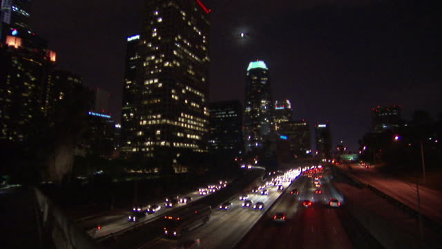 FOCUSING, WS, Traffic on highway at night, Los Angeles, California, USA