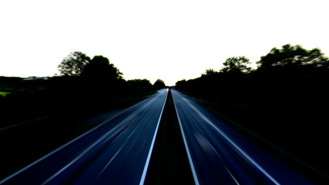 t/l traffic on highway at night - geschwindigkeit stock videos & royalty-free footage