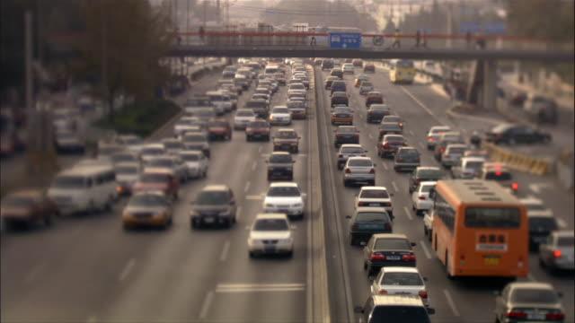 ms, ha, traffic on highway, beijing, china - privatfahrzeug stock-videos und b-roll-filmmaterial