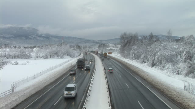 ha, ws, traffic on highway in winter, vrhnika, notranjska region, slovenia - vrhnika stock videos & royalty-free footage