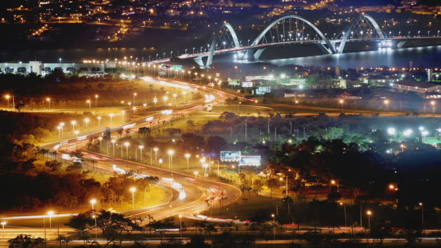 t/l, ws, ha, traffic on juscelino kubitschek bridge at night, brasilia, brazil - brasilia stock videos and b-roll footage