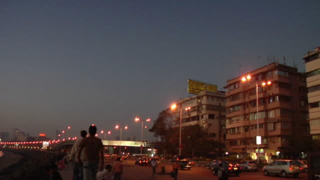 WS, Traffic on Marine Drive at dusk, Mumbai, Maharashtra, India