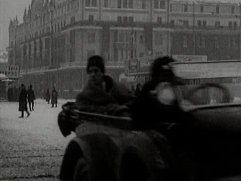 traffic on moscow streets in winter - moscow russia stock videos & royalty-free footage