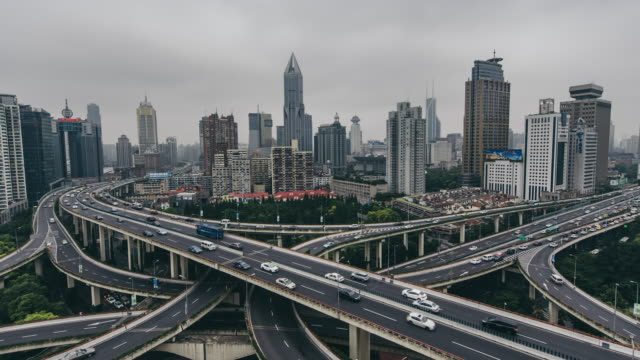 T/L WS HA ZO Traffic on Multiple Highways and Flyovers / Shanghai, China