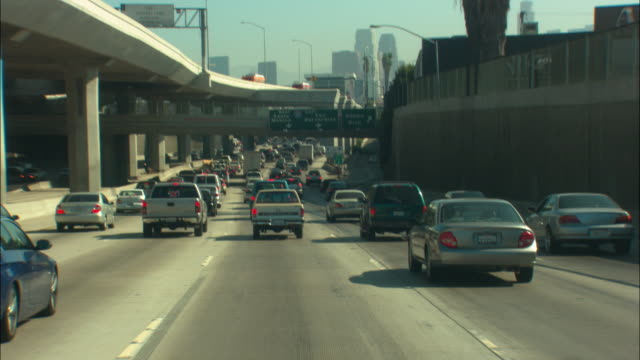 ms pov traffic on multiple lane highway, los angeles, california, usa - 視点点の映像素材/bロール