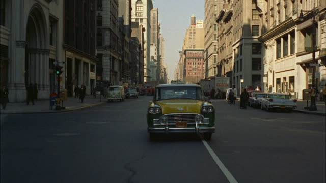vídeos de stock, filmes e b-roll de ws pov traffic on south down avenue from about 23rd street to 10th street / new york city, new york, usa - 1962