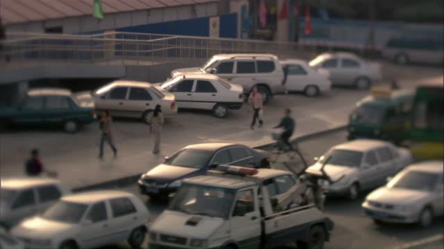 ms, ha, traffic on street, beijing, china - privatfahrzeug stock-videos und b-roll-filmmaterial