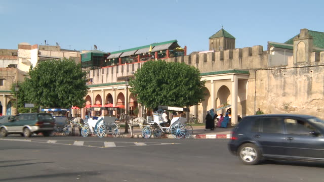 ms traffic on street / meknes, unspecified, morocco - arbeitstier stock-videos und b-roll-filmmaterial