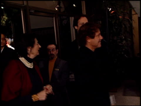 traffic premiere 1 of 2 at the 'traffic' premiere at academy theater in beverly hills, california on december 14, 2000. - traffic点の映像素材/bロール