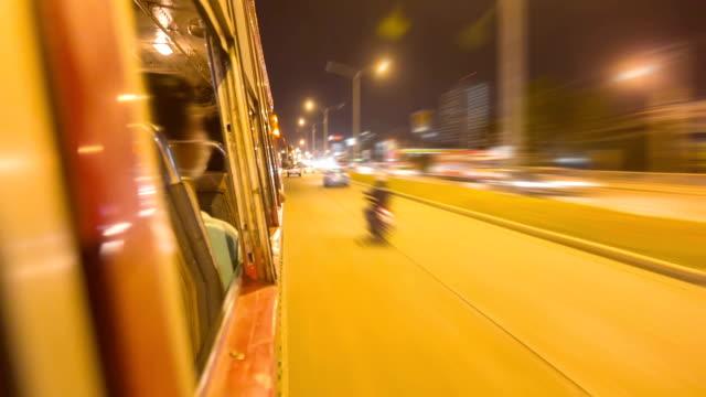 vídeos de stock, filmes e b-roll de trânsito tirada do ônibus janela, intervalo de tempo - poste