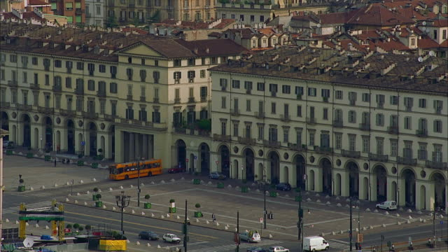ws ha traffic through city square, turin, italy - lockdown stock videos & royalty-free footage