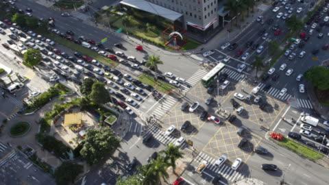 vidéos et rushes de traffic timelapse at faria lima avenue, itaim bibi, sao paulo, brazil - centre ville