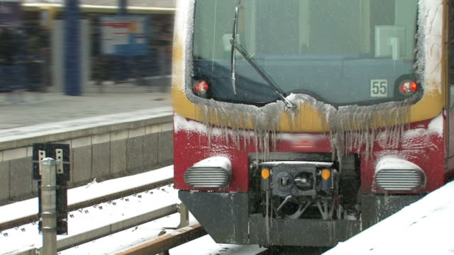 train arriving in the winter - railway station platform stock videos and b-roll footage