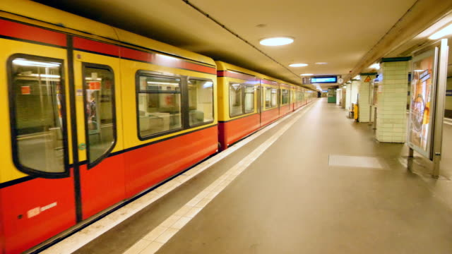 train crossing an empty subway station - germany stock videos & royalty-free footage