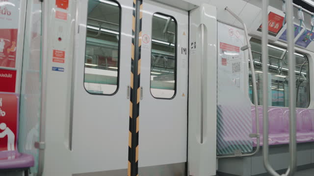train doors - door stock videos & royalty-free footage