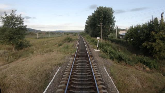 vídeos y material grabado en eventos de stock de punto de vista del conductor del tren, ferrocarril - railroad track