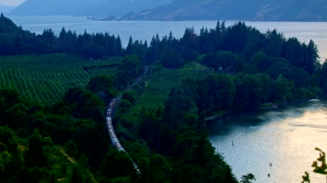Train from ruthton park hood river Columbia River Gorge Oregon 128