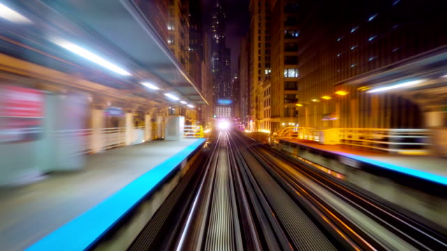 train in chicago business district - train vehicle stock videos & royalty-free footage