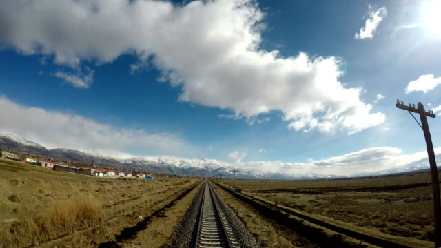 train journey at eastern anatolia - inquadratura da un treno video stock e b–roll
