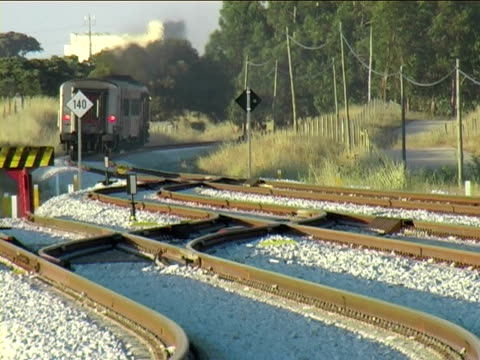 電車移動距離 - 線路のポイント点の映像素材/bロール