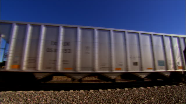 BNSF train moving through railroad crossing / Sheridan, Wyoming