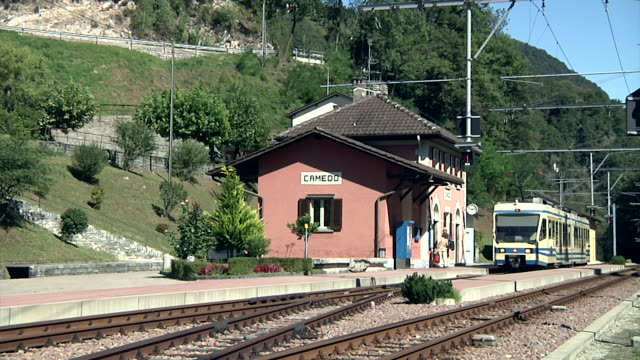 Train of the Centovalli railway arrives in Camedo