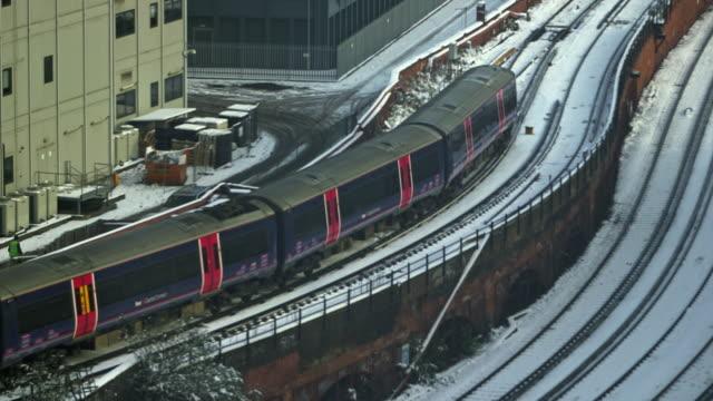 MS TS ZI Train on the move at Palestra / London, England, United Kingdom
